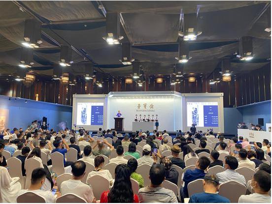 石涛巨制《山麓听泉图》在荣宝春拍1.2亿元成交